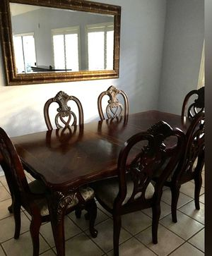 6 piece Dinning room table for Sale in Buckeye, AZ