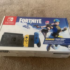 Fortnite Wildcat Nintendo Switch Limited Edition Bundle for Sale in Los Angeles, CA