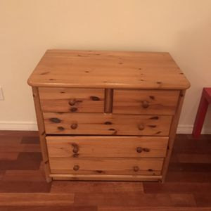 Real Wood Drawer In Great Condition for Sale in Kent, WA