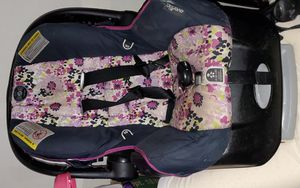 Beautiful Infant car seat evenflo for Sale in Edmonds, WA
