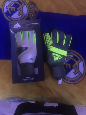 Goalkeepers gloves for Sale in Pittsburg, CA