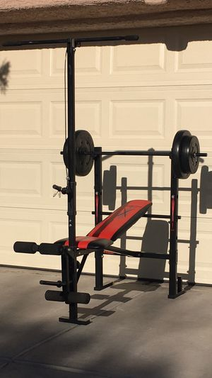 Weight Bench with Lat Pulldown Tower for Sale in Las Vegas, NV