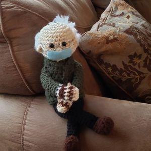 Bernie Sanders Doll, Cold Bernie Sanders Doll for Sale in Lake Hughes, CA