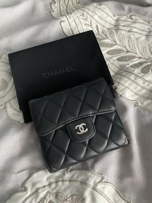 Chanel Wallet with Dust Bag for Sale in Auburn, WA