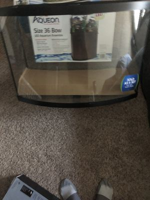 36 gallon bow front fish tank aquarium for Sale in Lorton, VA