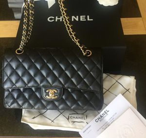 Chanel quilted Flap bag AUTHENTIC for Sale in Beverly Hills, CA