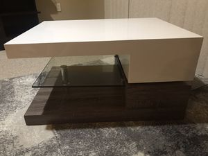 Delwood Coffee Table for Sale in Tampa, FL