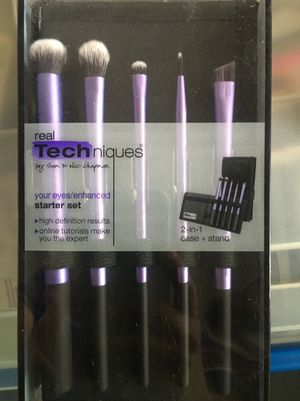New real techniques makeup brush set for Sale in Los Angeles, CA