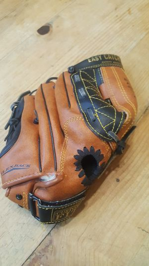 Baseball glove for Sale in Chandler, AZ