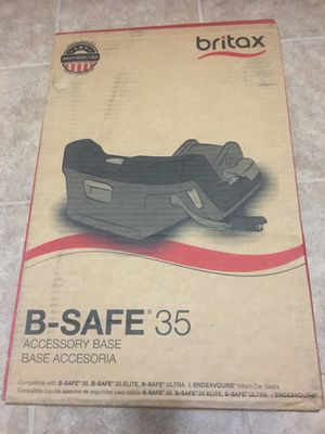 Britax B Safe 35 car seat base NEW! never used! for Sale in Conroe, TX