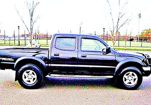 ֆ14OO 4WD Toyota Tacoma Clean for Sale in Winder, GA