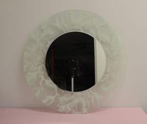"Decrotive Circular Wall Mirror 21"" Diameter for Sale in Everett, WA"