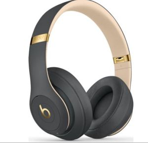 Beats studio 3 wireless headphones by dr. dre for Sale in Los Angeles, CA