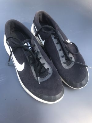 Nike Size 9 men's tennis shoes for Sale in Auburn, WA
