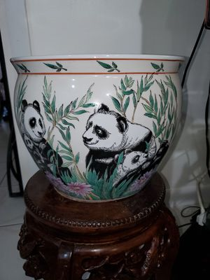 CHINESE FAMILY PANDA PORCELAIN FLOWER POT OR FISH BOWL,10 inch tall x 12 inch W for Sale in Miami, FL