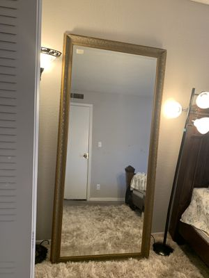 Antique mirror cost me $1500 only sales it $99 for Sale in Lake Worth, FL