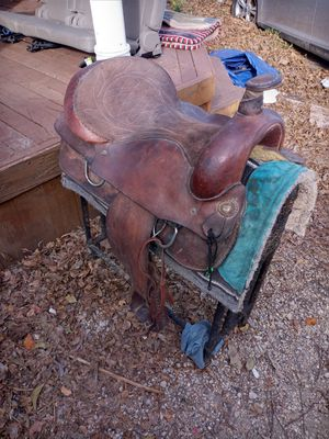 Horse saddle/ montura de caballo for Sale in Dallas, TX