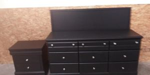 Black 4-Piece queen size bedroom set delivery available for Sale in Mableton, GA