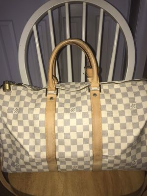 Louis Vuitton handbag for Sale in Silver Spring, MD