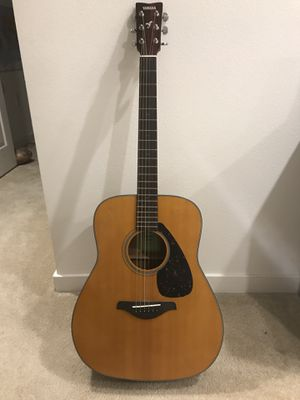 Acoustic guitar for Sale in Costa Mesa, CA