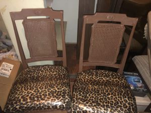4 chairs antique vintage plastic ornate elegant look for Sale in Riverside, CA