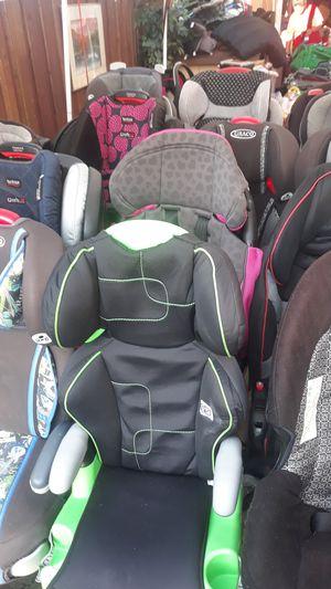 Car seats and more @ 834 cedar hill ave for Sale in Dallas, TX