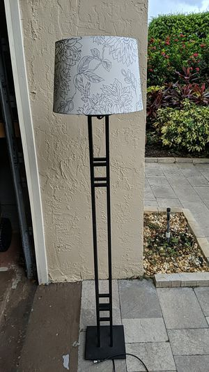 Metal Floor Lamp with shade for Sale in Deerfield Beach, FL