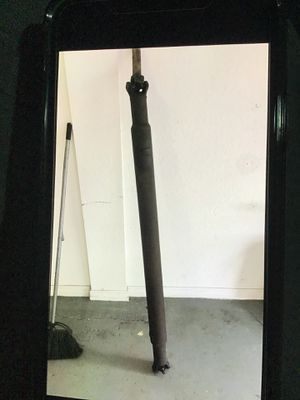"""GMC short bed front grill along with a 59"""" driveshaft for Sale in Hollywood, FL"""