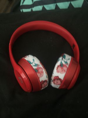 Custom Studio Beats Solo wireless for Sale in Riverside, CA