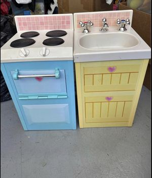 Rose petal cottage stove and sink for Sale in Cerritos, CA