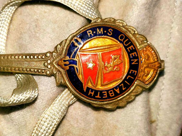 Vintage RMS Queen Elizabeth White Star Shipping Line Spoon