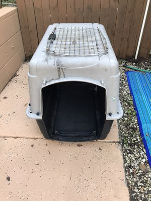 Large Plastic Dog Kennel (3ftLong|2ftWide|2.5ftTall) for Sale in Kissimmee, FL