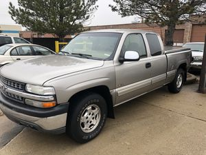 1999 Chevy Silverado LT 4x4 auto ac loaded with options options and great runner cash price for Sale in Mokena, IL