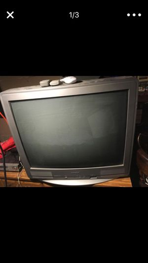 32 inch TV - great condition. for Sale in St. Louis, MO