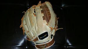 Mizuno Fastpitch softball glove for Sale in Apollo Beach, FL