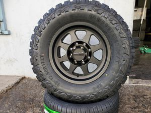 "17"" MethodMR701 Wheels rims and 33"" tires for Sale in Orange, CA"