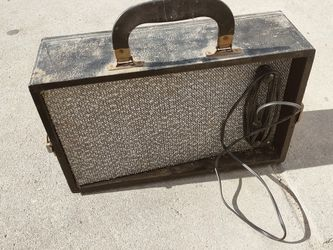 Very Old Speakers Dont Know Much About Them for Sale in Fresno,  CA