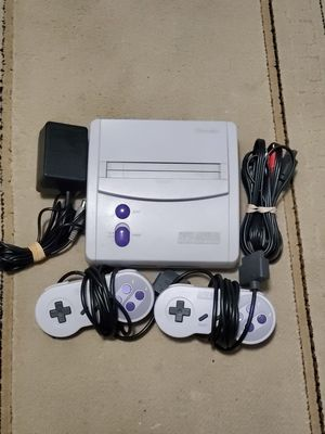 SUPER NINTENDO JR COMPLETE WITH 2 CONTROLLERS for Sale in Queens, NY