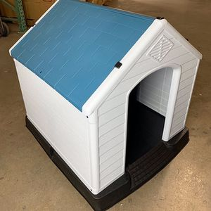 "(NEW) $75 Plastic Dog House Medium/Large Pet Indoor Outdoor All Weather Shelter Cage Kennel 35x31x32"" for Sale in Whittier, CA"