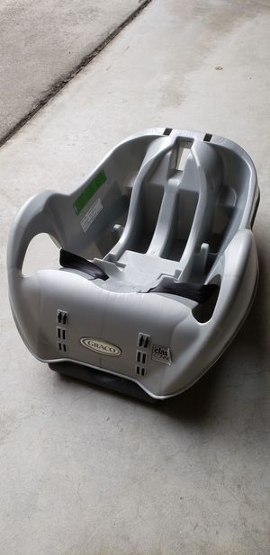 Graco classic connect car seat base for Sale in Fremont, CA