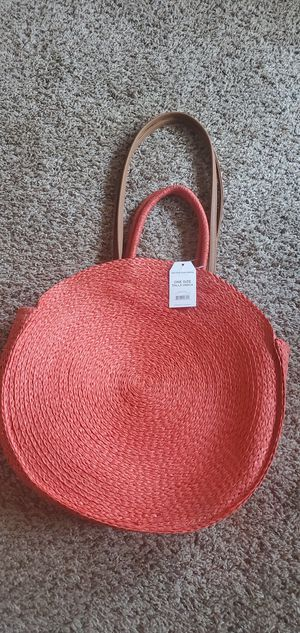 TIME AND TRU ROUND STRAW CIRCLE HANDBAG for Sale in Salt Lake City, UT