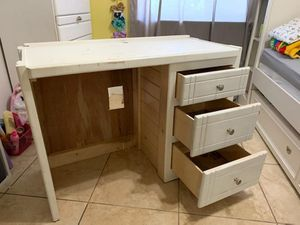 WHite Sturdy desk and side table (needs tlc) for Sale in Miami, FL