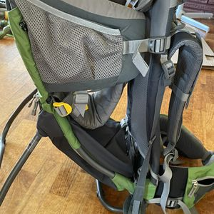 Dueter Child Carrier For Hiking for Sale in Vancouver, WA
