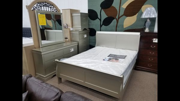 queen-size champagne color complete bedroom set