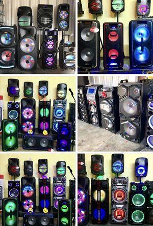 Speaker Bluetooth,radio,1🎤karaoke,recargable para la playa😎,USB,AUX,rueda,ecualizador,luz LD for Sale in Hialeah, FL