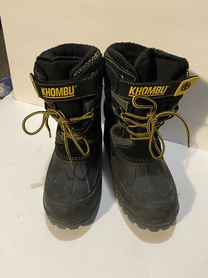 Khombu snow boots sz kids 4 These are quality leather snow boots in great condition Kids/teen size 4 for Sale in Carson, CA