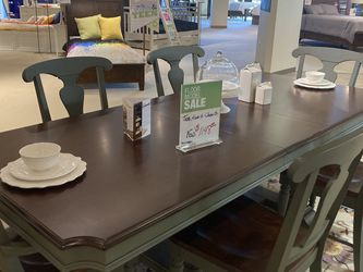 Levin Furniture (Avon) Sage Point Dining Room Set for Sale in Avon,  OH