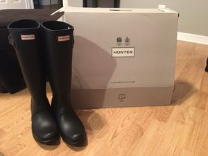 NWT Hunter Rainboots Matte Black, size 9 REDUCED!!!! for Sale in Sunrise, FL