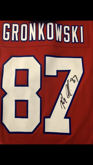 Patriots Gronkowski Jersey & Cap Autographed for Sale in Seattle, WA