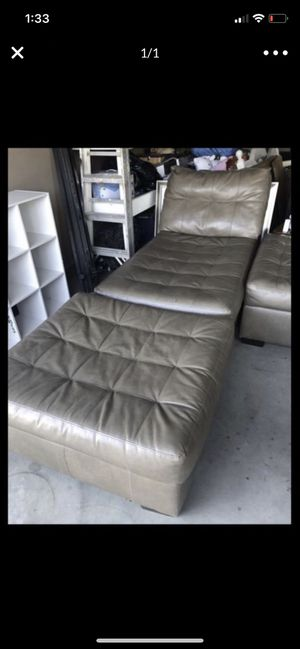 Chaise sofa and ottoman in ok condition a few flaws here and there nothing major for Sale in San Jacinto, CA
